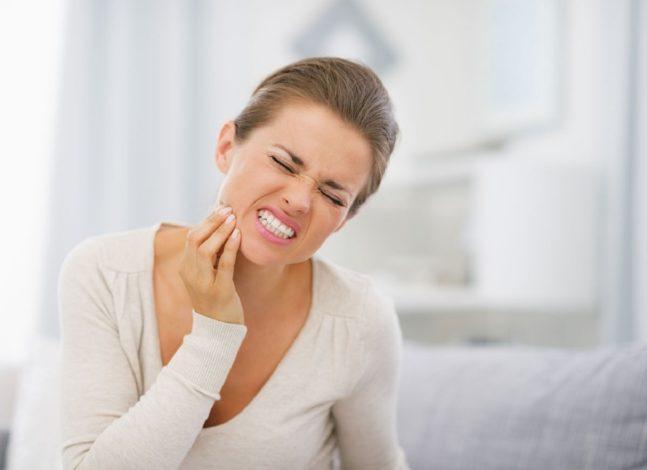 Diş Hassasiyeti Nedenleri ve Tedavi Seçenekleri